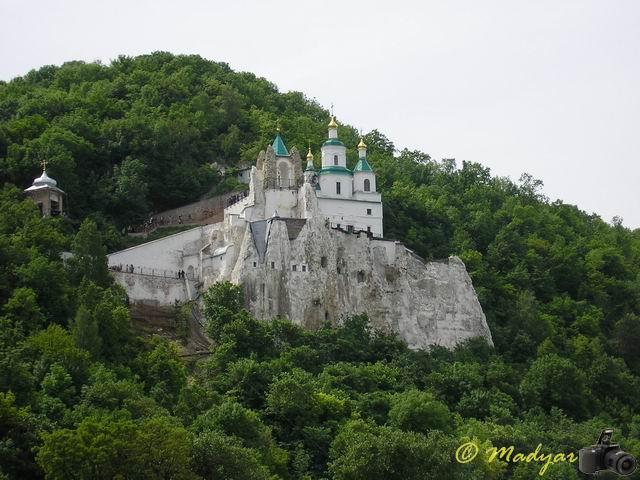 http://madyar-car.narod.ru/album/travels/svyatogorsk/svyatogorsk29.jpg